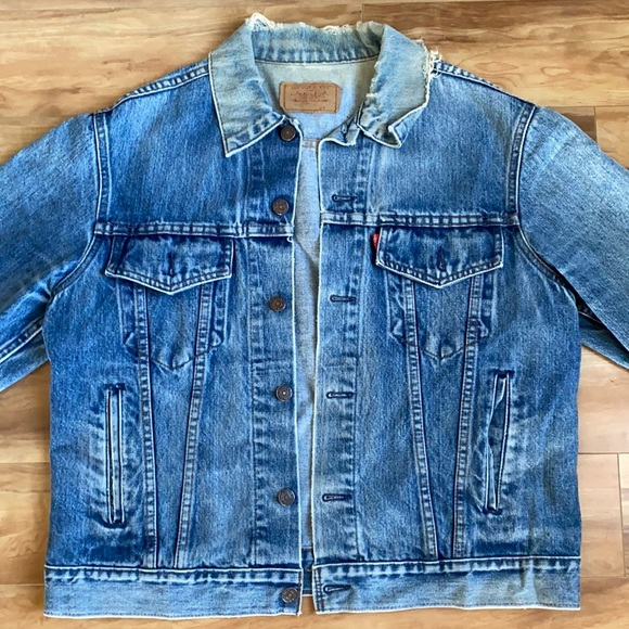 Vintage Levi's distressed denim jacket